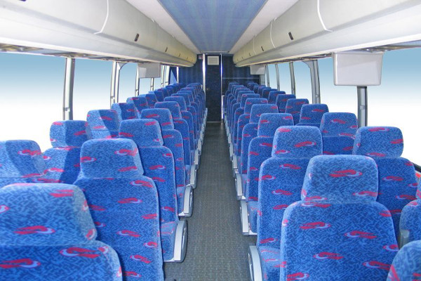 50 person charter bus rental milwaukee