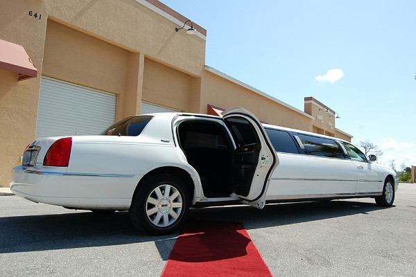 lincoln stretch limo 1