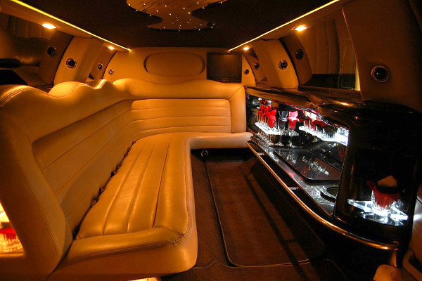 lincoln stretch limo 2